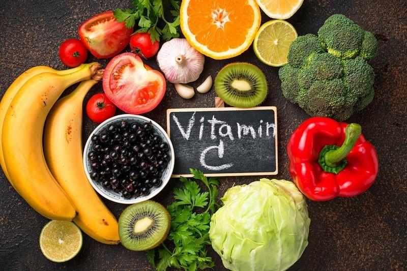 Người bị gout nên ăn gì? – ăn thực phẩm giàu vitamin C