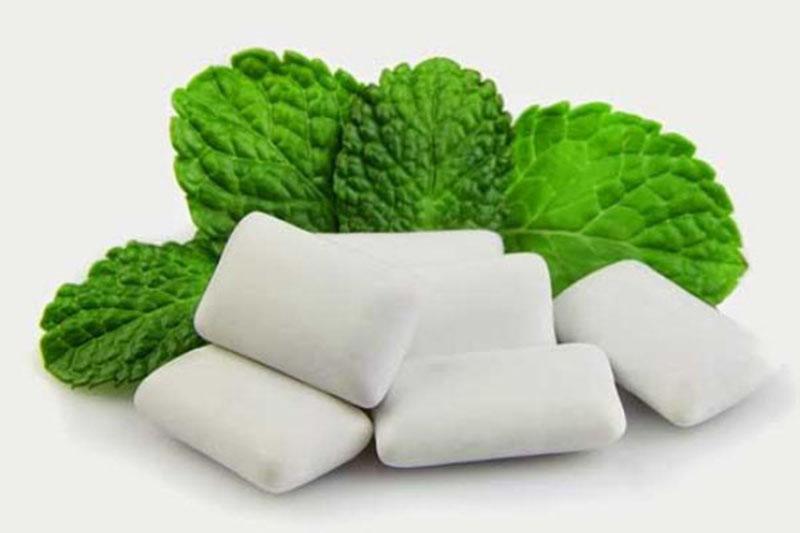 Nhai kẹo cao su giúp chống đói