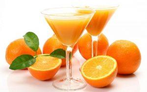 Nước cam, chanh, bưởi... sẽ giúp không bị tích mỡ trong dạ dày.
